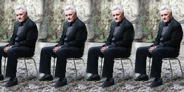 JOHN IRVING. Auteur de la photo inconnu.