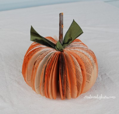 book-page-pumpkin-026-400x383