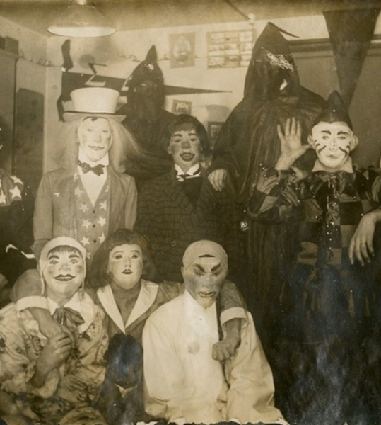 creepy_old_halloween_photos24