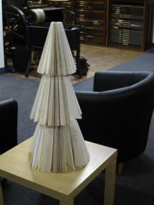 book-christmas-tree-handmade-linda-koutsky-225x300