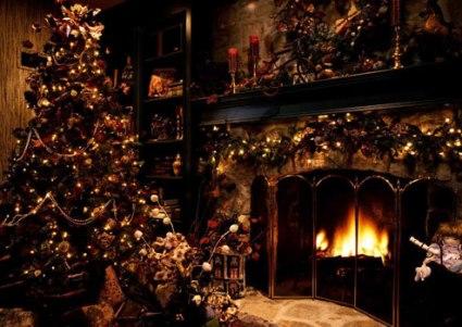 Pre-Lit-Christmas-Tree-3