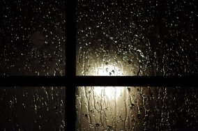 rainy_window_by_ronnok-d366zxy.jpg