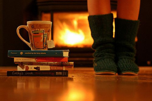 autumn-books-coffee-cozy-drink-fall-Favim.com-61927