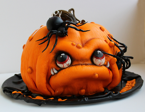 Bake-a-Halloween-Cake-20-Terrifyingly-Amazing-Ideas-11