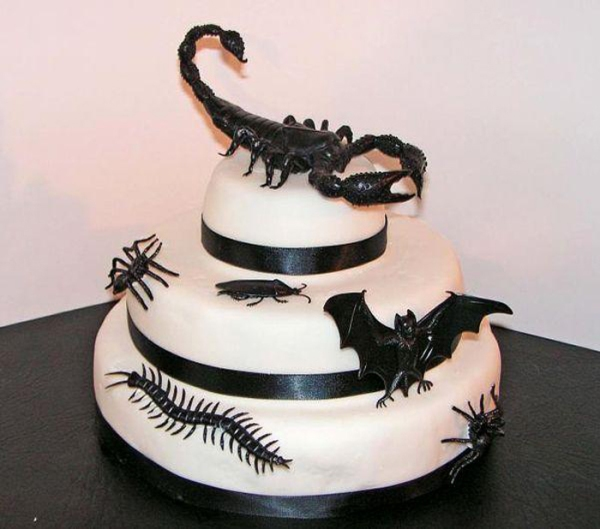 creepy_and_scary_halloween_cakes_14