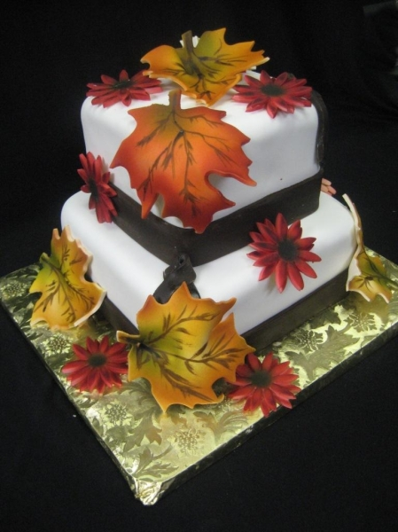 Fall-Leaves-Wedding-Cake