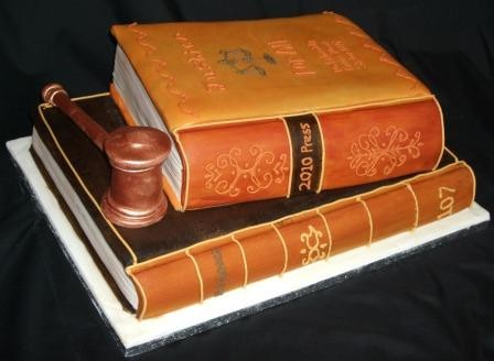 Graduation_books_law_cake