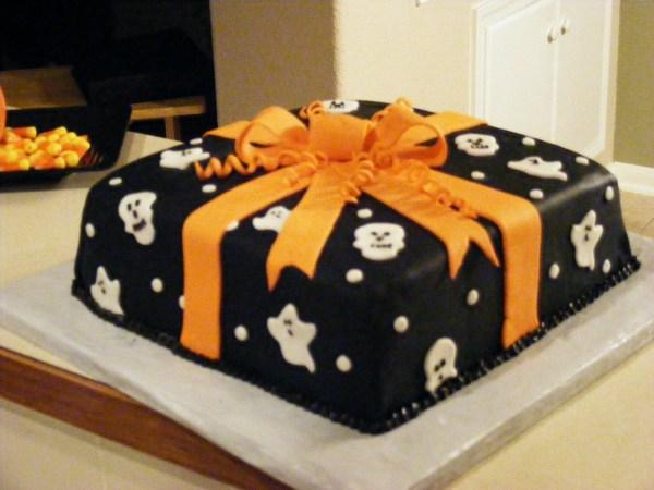 Halloween+present+cake+Oct+09+(3)