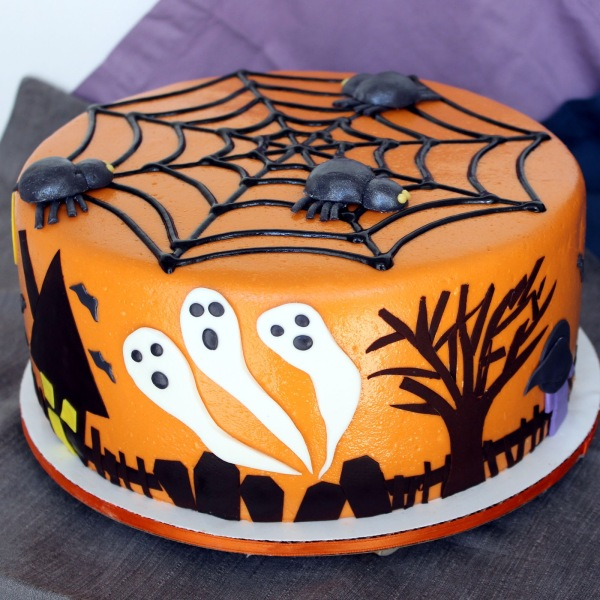 IMG_5402+Halloween+Cake+Ghosts