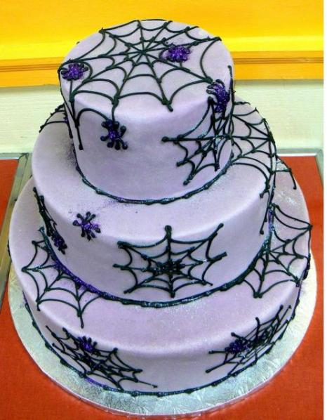 Purple+spider+web+halloween+cake+photo