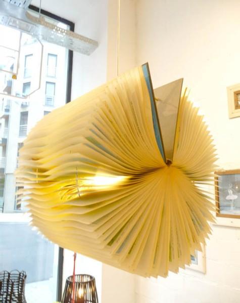 Rewind book lamp