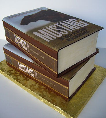 stack-of-books-cake-2