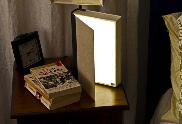 Steve_Hoefer_Grathio_Book_Lamp_grande