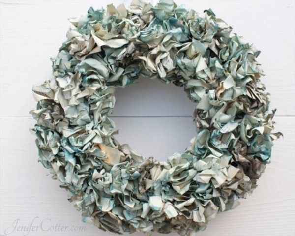 Book_Page_Wreath-640x512
