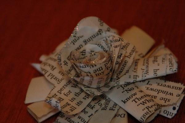 Book+Page+Ornament+024
