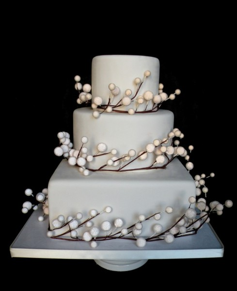 Pearlized-Snow-Berry-Fake-Wedding-Cake-835x1024