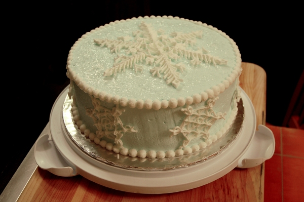 snowflake_winter_cake___1_by_wpetrey-d35l3xb