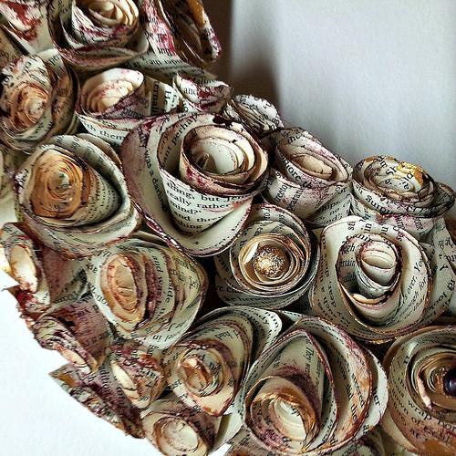 spiral-rose-book-page-wreath-tutorial-L-dKbeqC