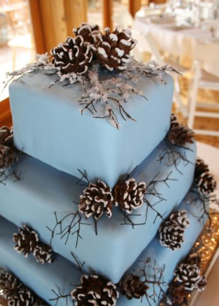 winter-wedding-cakes-1