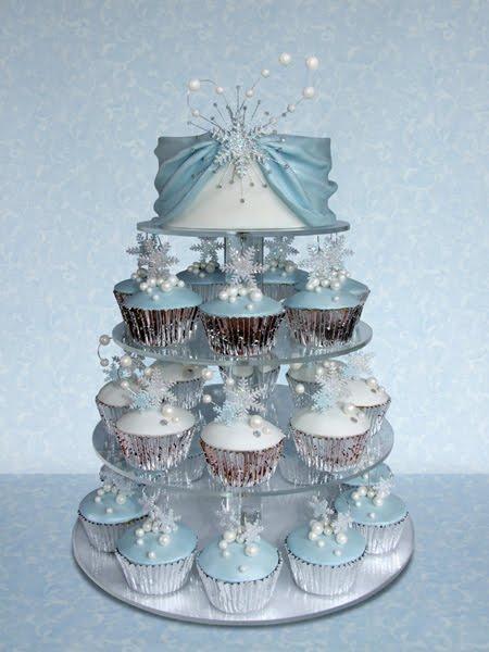 winter+wedding+part+3+blue+stand
