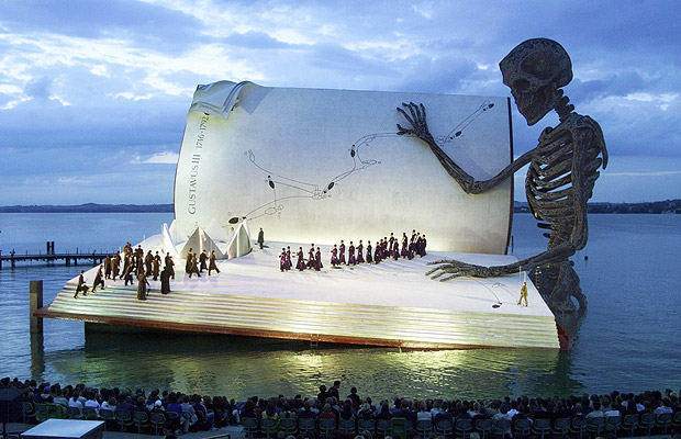 giant-book-austria.jpg