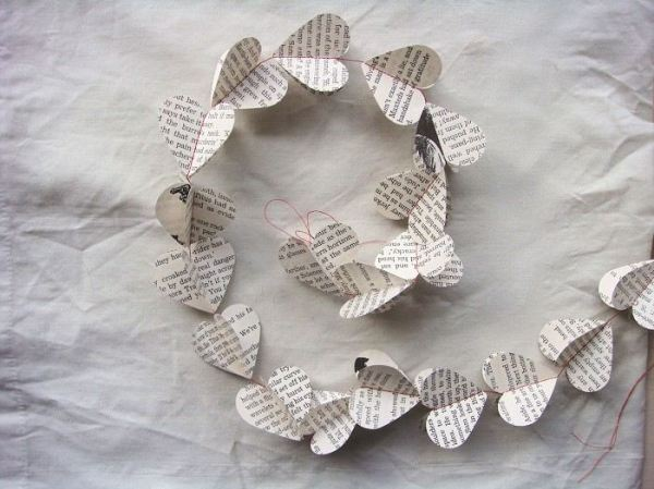 book-heart-garland