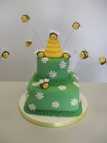 bee_cake-resized