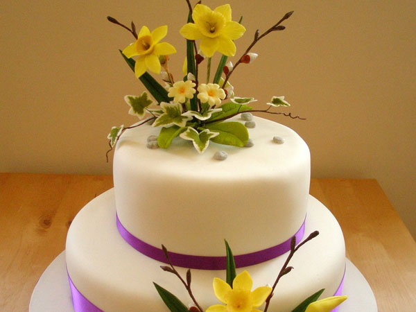 spring-flowers-wedding-cake
