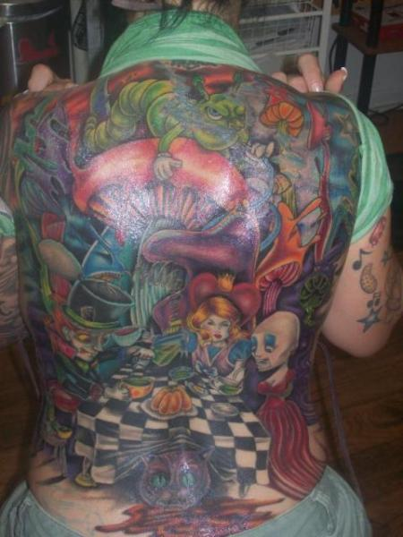 alice-in-wonderland-backpiece-tattoo