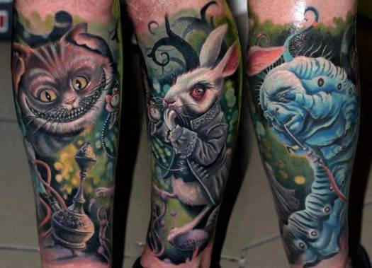Characters-from-the-fantasy-film-Alice-in-Wonderland-come-alive-in-this-photo-realistic-surrealist-tattoo-by-Nadelwerk