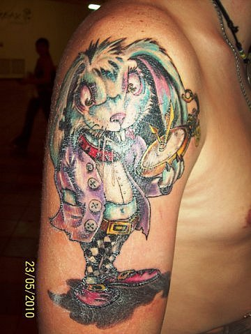 my_tattoo_work_alice_in_wonderland_by_rav_tattoo-d5lsd6x