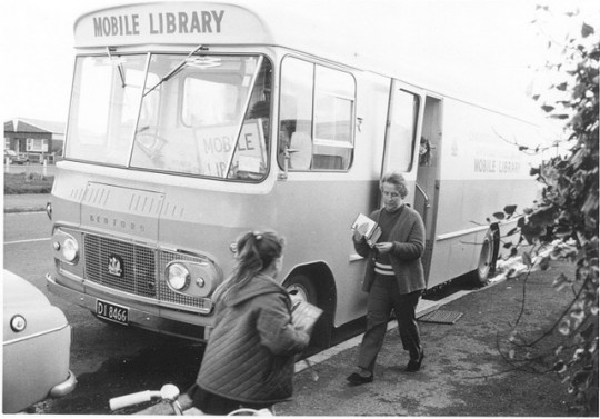 Libraries-on-wheels-Bookmobile-2-540x377