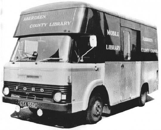 Libraries-on-wheels-Bookmobile-5-540x436