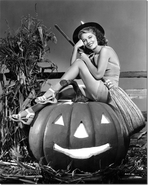 Anne Nagel, vintage Halloween pin-up girl13