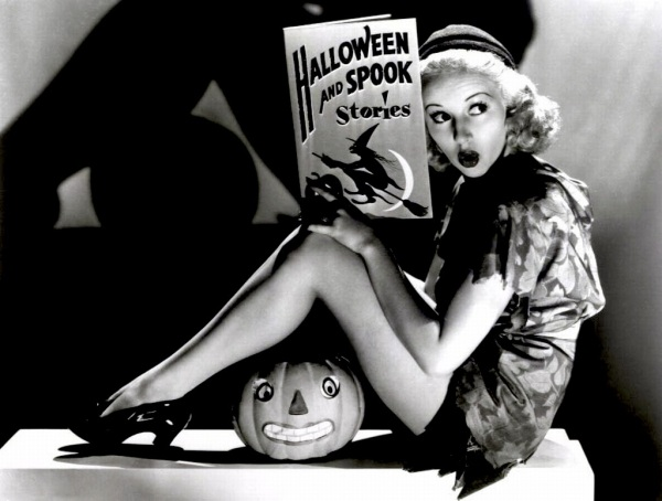 betty-grable-halloween-pinup-vintage