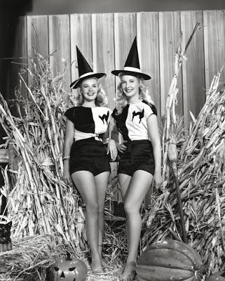 Brujas Sexys_1940s_starlets_400_122_504lo_122_504lo