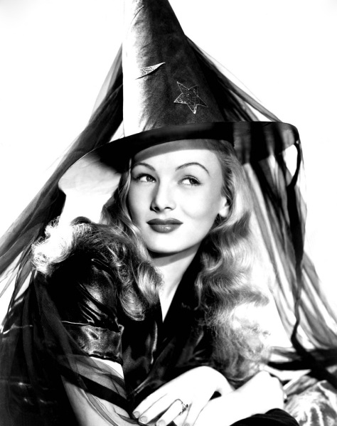 Veronica-Lake-Halloween