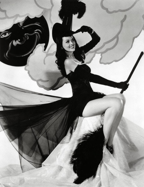 vintage-halloween-pinup-dusty-anderson