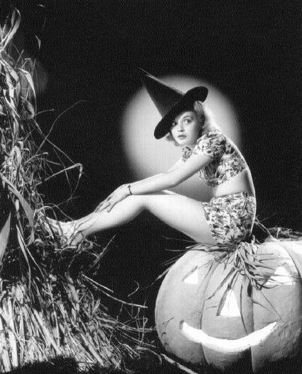 Vintage-Halloween-Witch-Nancy-Grey