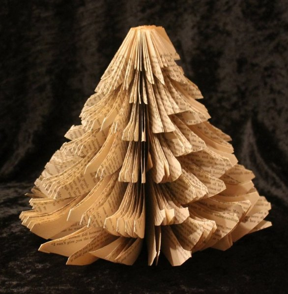 christmas_tree_cut_book_sculpture_by_wetcanvas-d5l1ij5