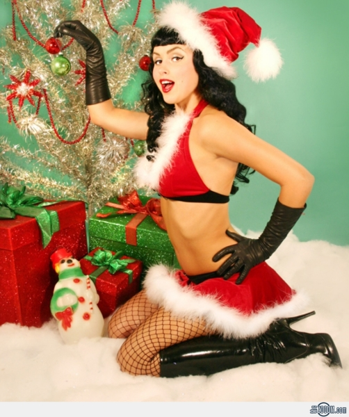 Sexy-Pin-Up-girl-for-Christmas