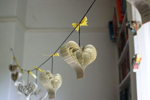 valentines-day-heart-garland.jpg