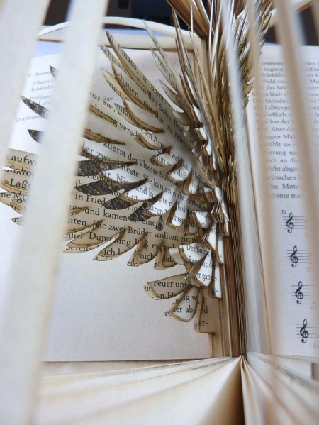 lasercut-book-bird-cut-detail