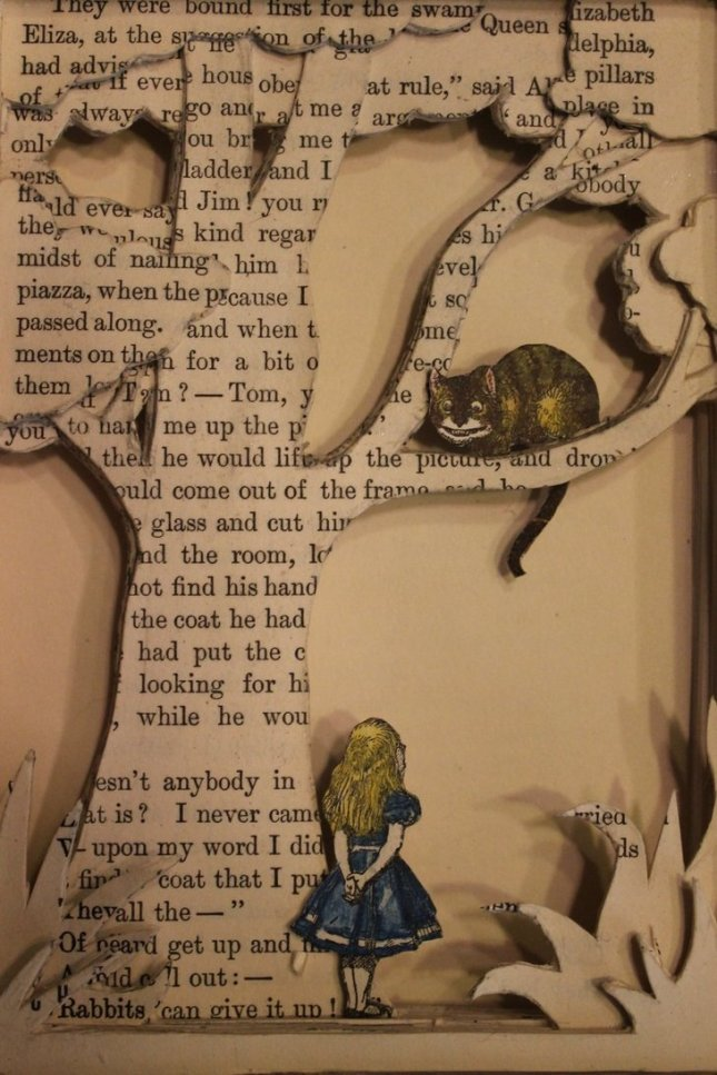 alice_in_wonderland_book_sculpture_by_wetcanvas-d5b1zs2.jpg