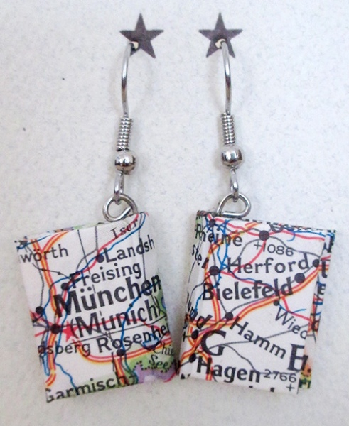 earrings_card_world_map
