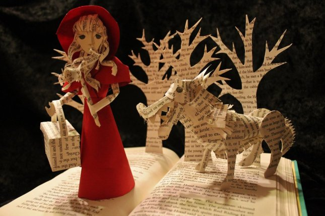 little_red_riding_hood_book_sculpture_by_wetcanvas-d6e7ih9.jpg