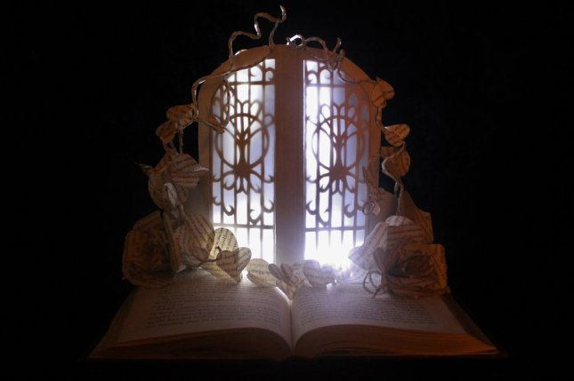 the_fairie_door_book_sculpture_by_wetcanvas-d6d53oq.jpg