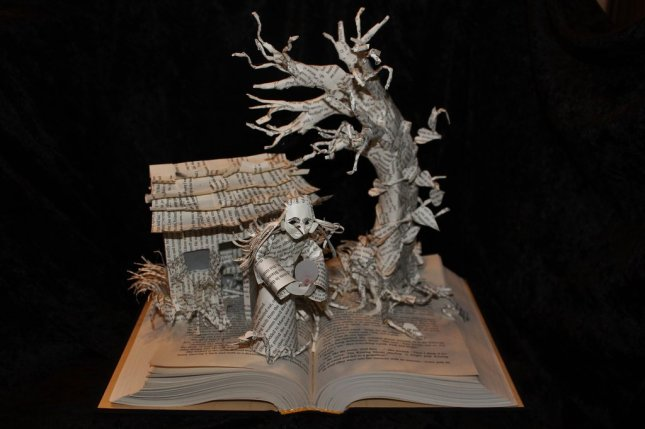 wizard_and_glass_book_sculpture_unlit_by_wetcanvas-d6j3srg.jpg