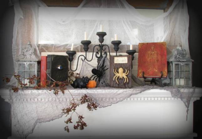 Halloween+Mantle+with+altered+book.JPG
