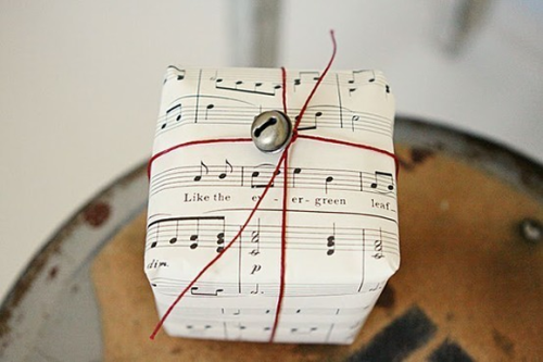 musical-paper-gift-wrapping-via-design-bright